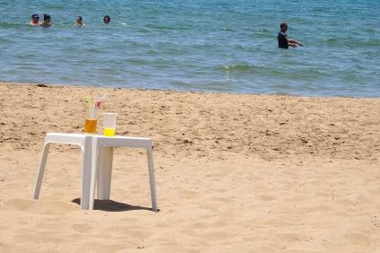 Sommer, Sonne, Strand und Drinks ... am Strandabschnitt des Sensimar Side. (Foto: wukomm)