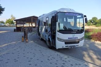Transferbus zum Theater. (Foto: wukomm)