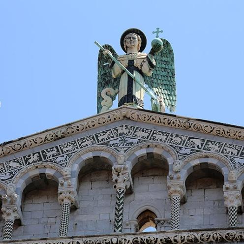 San Michele in Lucca mit Dachengel.