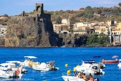Aci Castello, Starnd und Castell unweit von Catania.