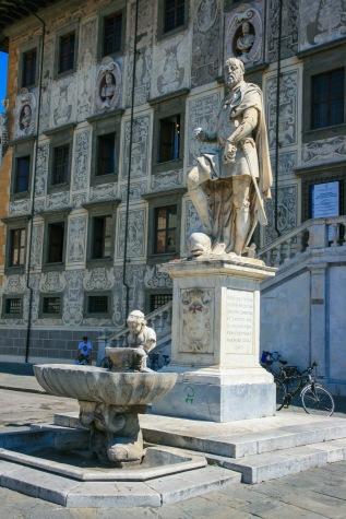 Palazzo della Carovana.