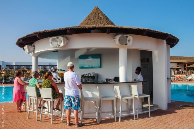 Cove-Pool-Bar
